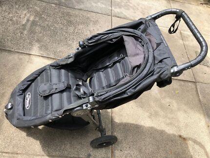 Baby jogger City Mini GT pram, rain cover, tray and storage