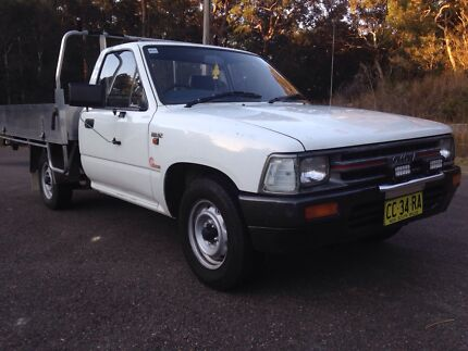 91 Toyota Hilux ute 7 months rego Belmont North Lake Macquarie Area Preview