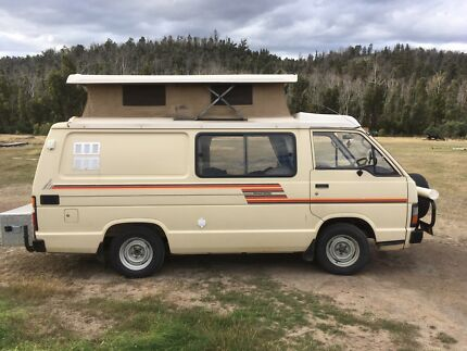Toyota Sunliner Pop-top Campervan