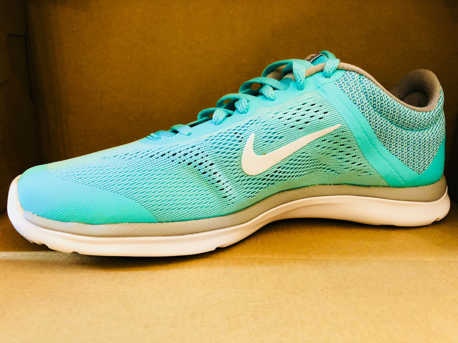 NIKE WOMEN'S IN-SEASON TR 5 SHOES hyper turquoise white grey 807333 301 1
