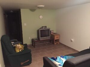 2 bedroom student apartment 9 min to mohawk college.