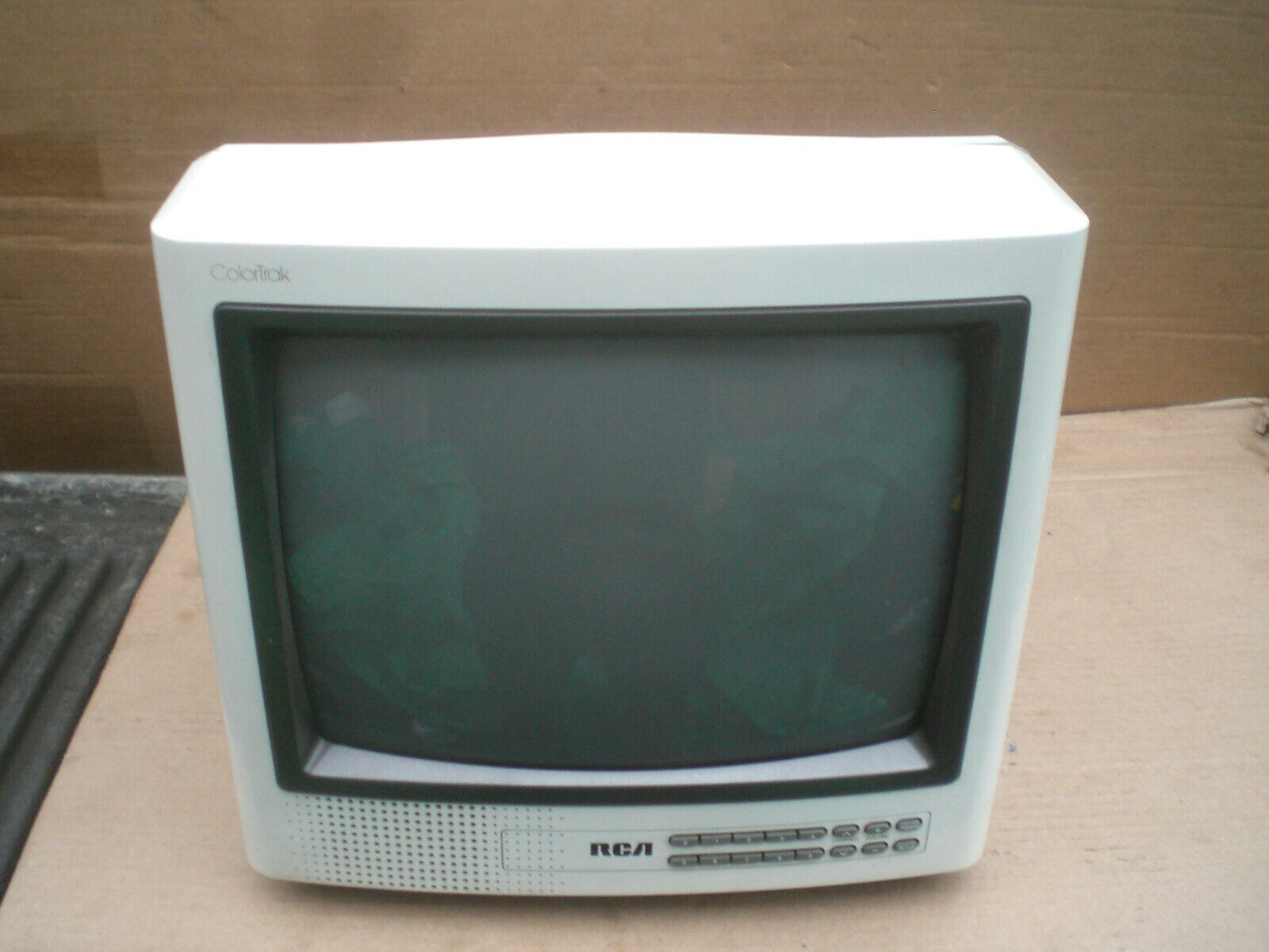 "Vintage Classic 1988 RCA Color Trac13"" Color TV  model E13165FW"