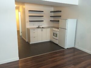 1 bedroom east Regina available Nov 1.