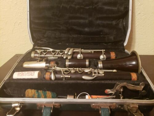 Vintage H A Selmer Bundy Clarinet With Case - Wood Body And Working Condition  - $95.00