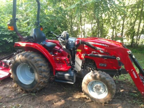 Massey Ferguson 1726 E Compactor with Loader and 5 attachments