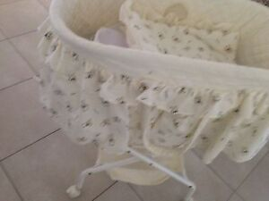 Bassinet Stockleigh Logan Area Preview