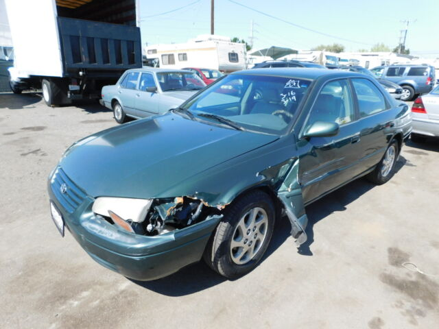 Image 1 of Toyota: Camry 4dr Sdn…