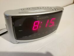 SmartSet Dual Alarm Clock by Emerson Research AC100 - self Setting Clock