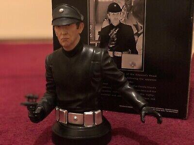 Star Wars Gentle Lieutenant Renz Rebelscum Exclusive Collectible Mini Bust Talks