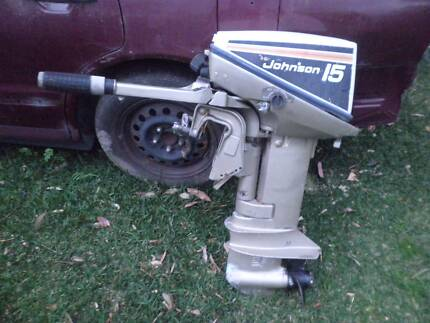 15 HORSE POWER JOHNSON OUTBOARD ENGINE