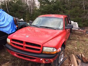 2003 DODGE DAKOTA 4.7 4X4  MIGHT PART OUT IF CANT SELL COMPLETE