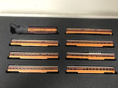 N-SCALE Con Cor Milwaukee Road Hiawatha PASSENGER SET