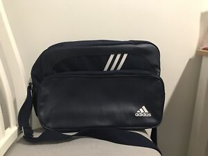 Adidas messenger / cross body (navy)