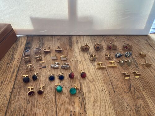 LOT OF NICE CUFFLINKS SWANK , HICKOK AND MORE