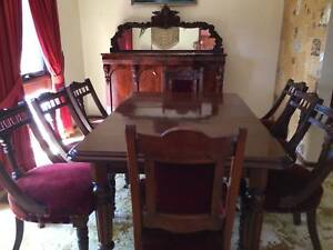 19th Century Victorian Extension Dining Table in Mahogany 8 chair