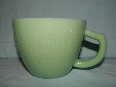 Jade Milk Glass 2 Cup Graduated Measuring Cup With Spout Retro Jadeite Style