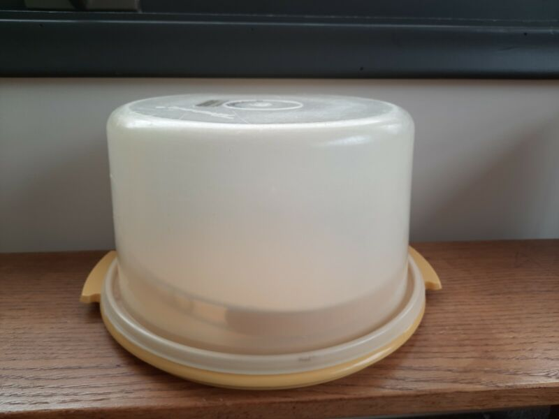Vintage Tupperware Round Cake Pie Holder Carrier with Handle Yellow