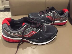 NEW Saucony 8.5 men running shoe