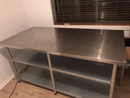 Stainless steel bench 1829 x 914 x 900