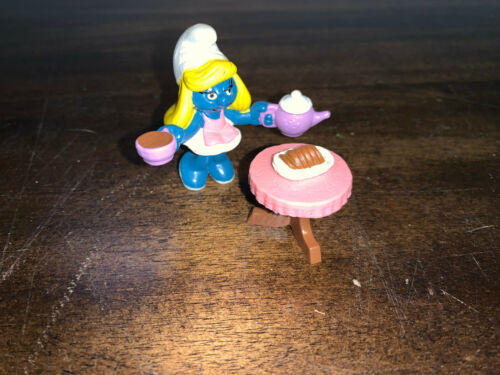 Vintage Super Smurf SMURFETTE TEA TIME