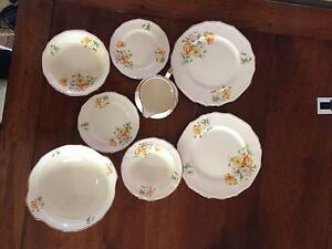 Alfred Meakin 'Marigold' 1930s Pattern 8 Various Pieces Woodend Macedon Ranges Preview
