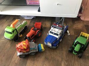Lot de camions jouets