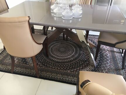 Dining Table And Leather Chairs 1050 Liverpool