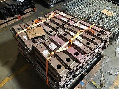 Gondola Shelving Low Base Bracket 20.5 Varies 136 Available Used