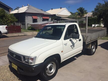 Toyota Hilux Table Top  148000klms  12 mths warranty , Ex cond Greta Cessnock Area Preview