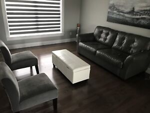 Leather couch - 2 accent chairs - 1 ottomen
