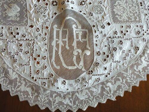 Vintage Italian Linen Centerpiece Reticella Needlelace Figural Filet Lace Embro
