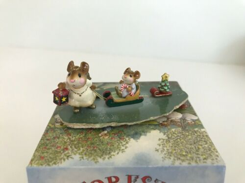 Wee Forest Folk Christmas M-262🌲LIGHTING THE WAY 🌟 DARLING, Retired - PRISTINE