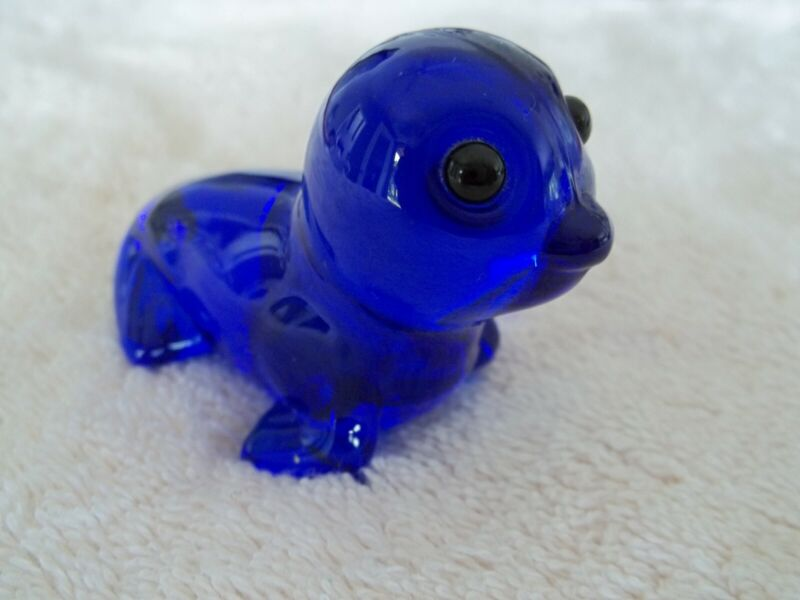 "Signed Label ""Oneida Crystal"" Seal Figure, Colbalt Blue"