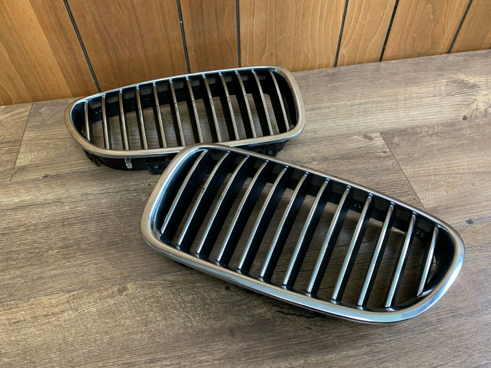 11-13 BMW 528 535 550 Front Bumper Radiator Kidney Grille Left & Right Side F10
