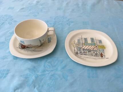 Cup saucer plate trio 1950s Hugh Cusson art