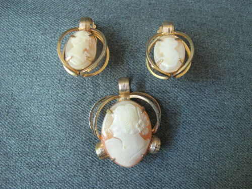 Vintage woman portrait cameo goldtone metal pendant & matching earrings