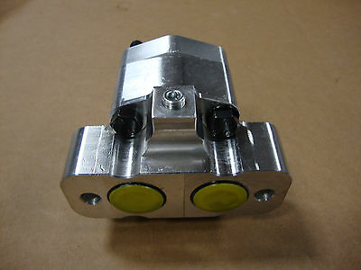 New 330 340 404 424 444 2404 2424 2444 International Tractor Hydraulic Pump