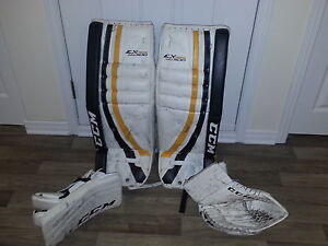 CCM Pad Mit and Blocker and Goalie mask