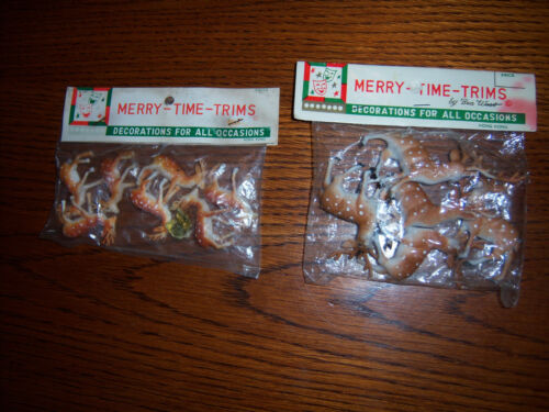 "CUTE 2PK HTF VTG DECORATIVE TINY ""MINI"" PLASTIC  REINDEER DECOR FIGURES DISPLAYS"
