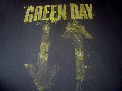 Green Day Shirt ( Used Size XL ) Good Condition!!!