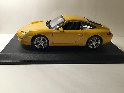 MAISTO 1/18 FERRARI 1:18 Scale Die Cast  Yellow