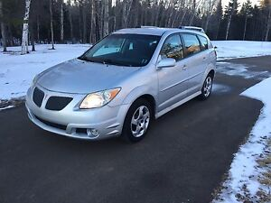 2006 Pontiac Vibe 5 Speed only 148000 KMS