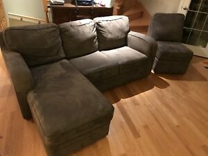 Divan sofa sectionnel en 3 morceaux. Je peux vous le livrer