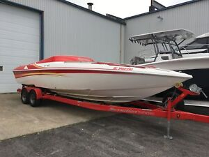 2005 Sunsation 288 Mid Cabin