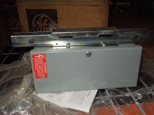 Ge Lw33cb 30a 3p 300v Lw Busway Center Feed-in Box (underslung) New Surplus