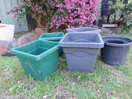 Assorted plastic garden pots Merewether Heights Newcastle Area Preview