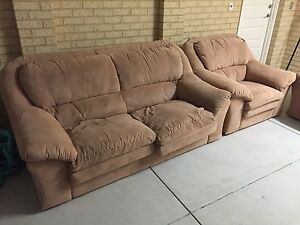 5 Seater Couch URGENT SALE. Good Condition Serious Offers only Madeley Wanneroo Area Preview