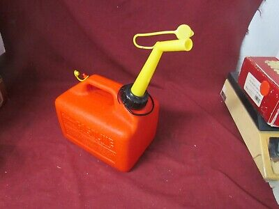 SEARS CRAFTSMAN 1 1/4 GALLON VENTED OLD STYLE GAS CAN PRE-BAN