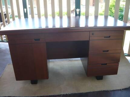 desk free good condition Teralba Lake Macquarie Area Preview