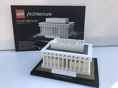 LEGO 21022 Architecture Lincoln Memorial. 100% complete with the instructions.